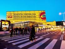 """Festivalzentrum """"Kursaal"""" in San Sebastian."""