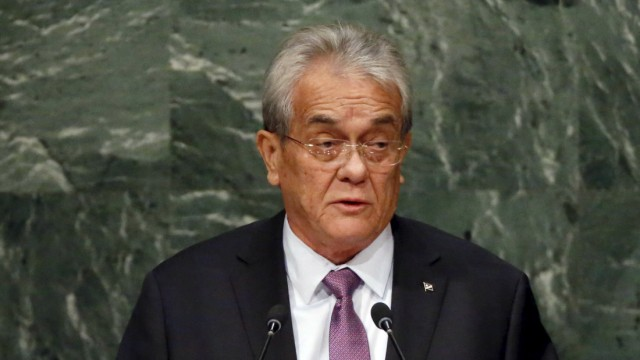 Foreign Minister Tony de Brum of the Marshall Islands addresses a plenary meeting of the United Nations Sustainable Development Summit 2015 at the United Nations headquarters in Manhattan, New York