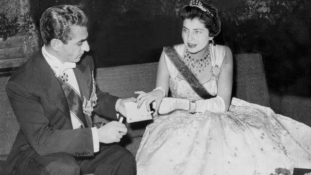 Schah Ahmed Reza Pahlevi und seine Ehefrau Kaiserin Soraya