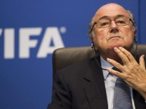 FIFA sponsors call for Blatter's immediate resignation