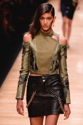 Guy Laroche : Runway - Paris Fashion Week Womenswear Spring/Summer 2016