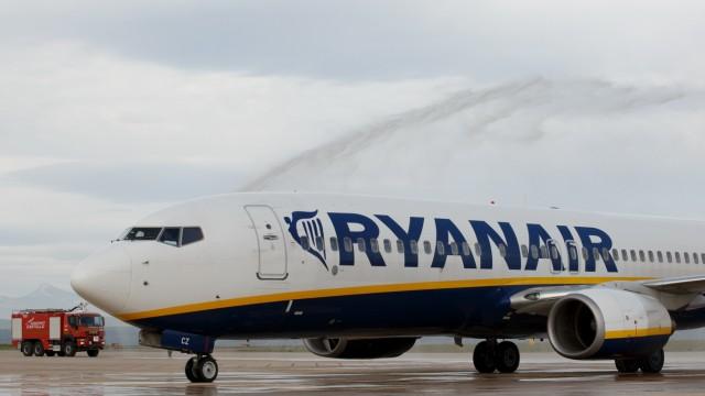 First Ryanair Flight Arrives At Castellon Airport