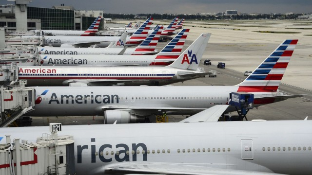 American Airlines pilot dies during US flight
