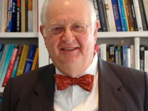 Angus Deaton wins Nobel Prize for Economics