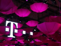 Deutsche Telekom profit edges up thanks to strong US business