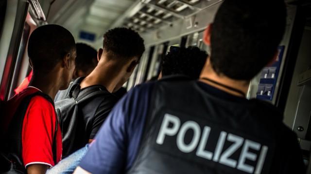 Bundespolizei jagt Schleuserbanden