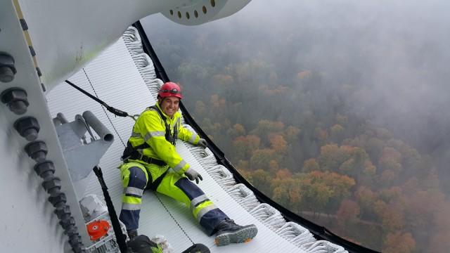 Artur Woszniak  Arbeiter auf der Windradbaustelle bei Berg
