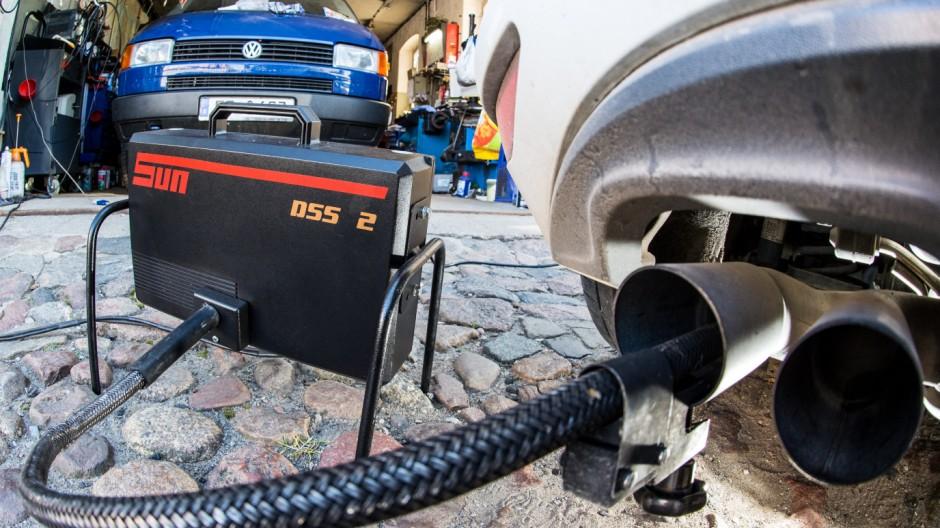 Abgasuntersuchung beim Dieselfahrzeug