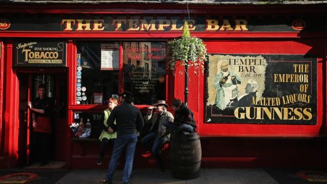 Life And Landmarks In The Irish Capital Of Dublin