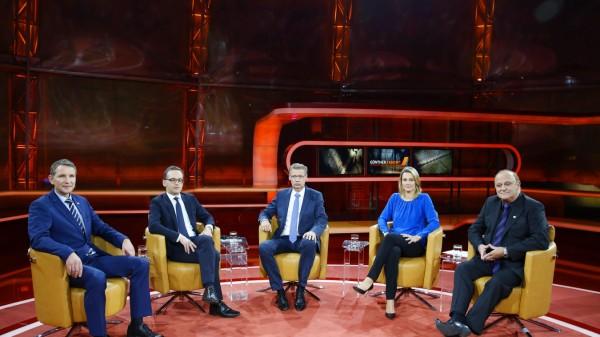 18 10 2015 Berlin Deutschland GER ARD Talkshow Günther Jauch Thema der Sendung Pöbeln hetzen dr