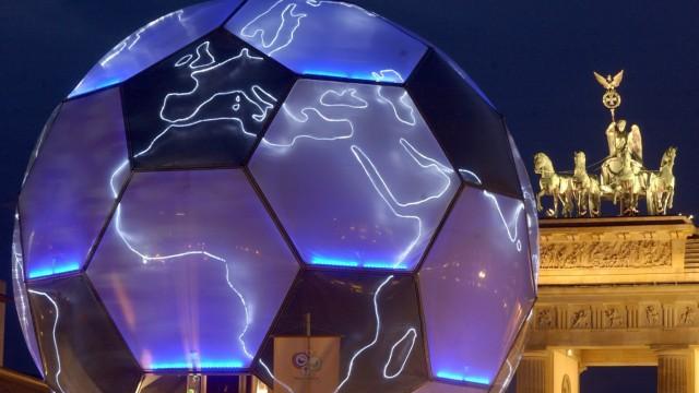 'Die WM-Macher' - Fußball-Globus