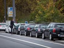 Münchner Freiheit. Oberbürgermeister Dieter Reiter präsentiert Münchens 1. Mobilitätsstation. neues zukunftsweisendes Mobilitätsangebot