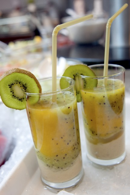 Bunte Früchte zum Trinken - Smoothies selber machen