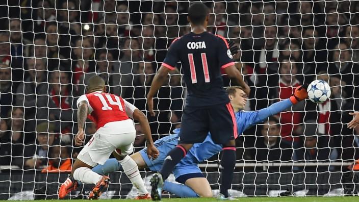 Arsenal v Bayern Munich - UEFA Champions League Group Stage - Group F