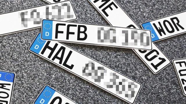 Straßenverkehr Geschmähte Autokennzeichen