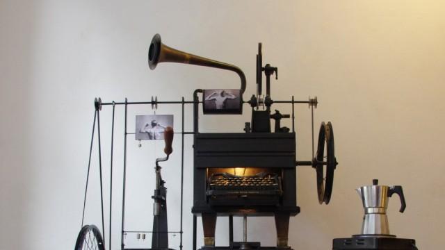 Low Tech Museum Ausstellung von Charly-Ann Cobdak