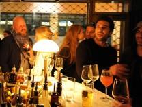 Bars in der Münchner Innenstadt: Zwölf Tipps zum Ausgehen, wie hier in der Bar Paisano von Elyas M´Barek