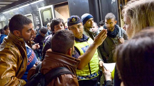 Flüchtlinge auf dem Bahnhof in Stockholm