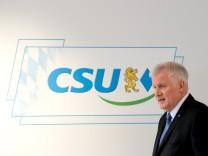 Seehofer präsentiert Stellvertreterriege
