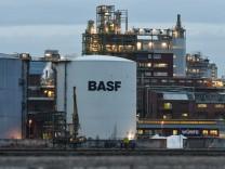 BASFund andere Konzerne sparen legal Steuern