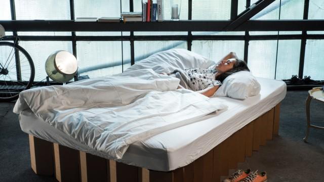 Room In A Box Ein Bett Aus Pappe Stil Süddeutschede