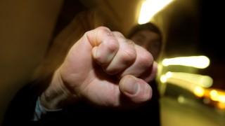 Gewalt gegen Jugendliche: In einem Kurs in Neubiberg kann man lernen, sich gegen Messerangriffe zu verteidigen.