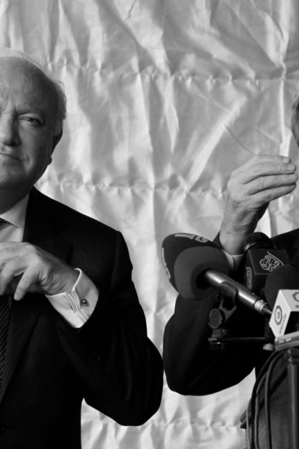 Spain's Foreign Minister Moratinos and France's Foreign Minister Kouchner attend a news conference in Amman