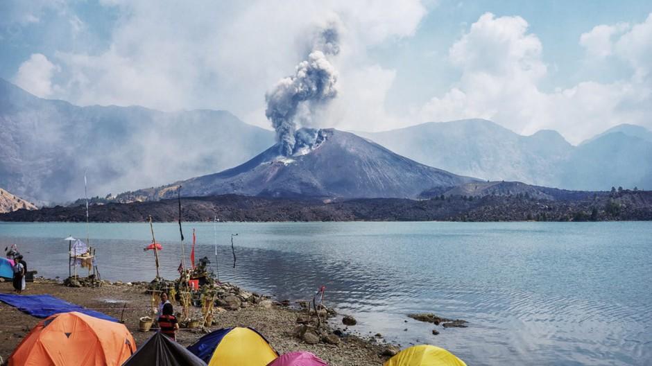 Fesselnd Mount Rinjani Eruption