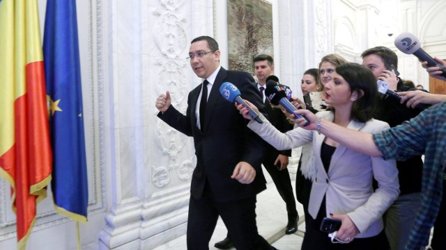 Romanian Prime Minister Ponta to resign amid ire over nightclub f