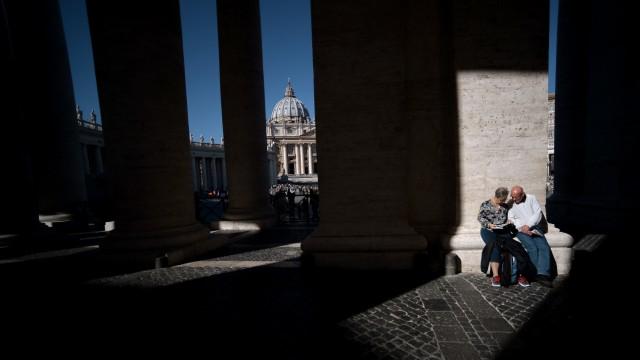 Süddeutsche Zeitung Politik Verschwendung im Vatikan