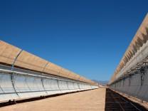 In Marokko geht bis Ende des Jahres das groesste Solarkraftwerk der Welt in Betrieb