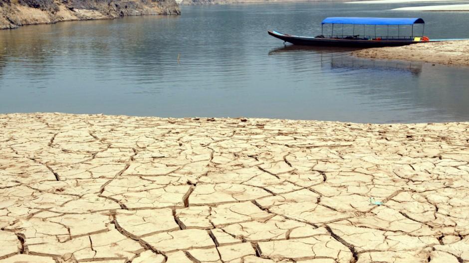 Dürre am Mekong-Fluss in Thailand