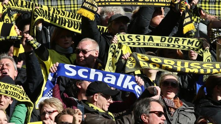 Fußball,Fussball,                           28.02.2015 Champions League , Saison 2014/2015 BVB Borussia Dortmund - FC Schalke 04  Derby