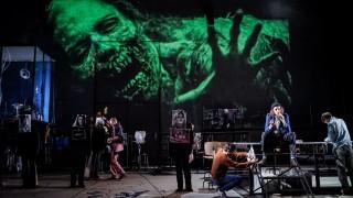 Theaterstück Fear an der Schaubühne