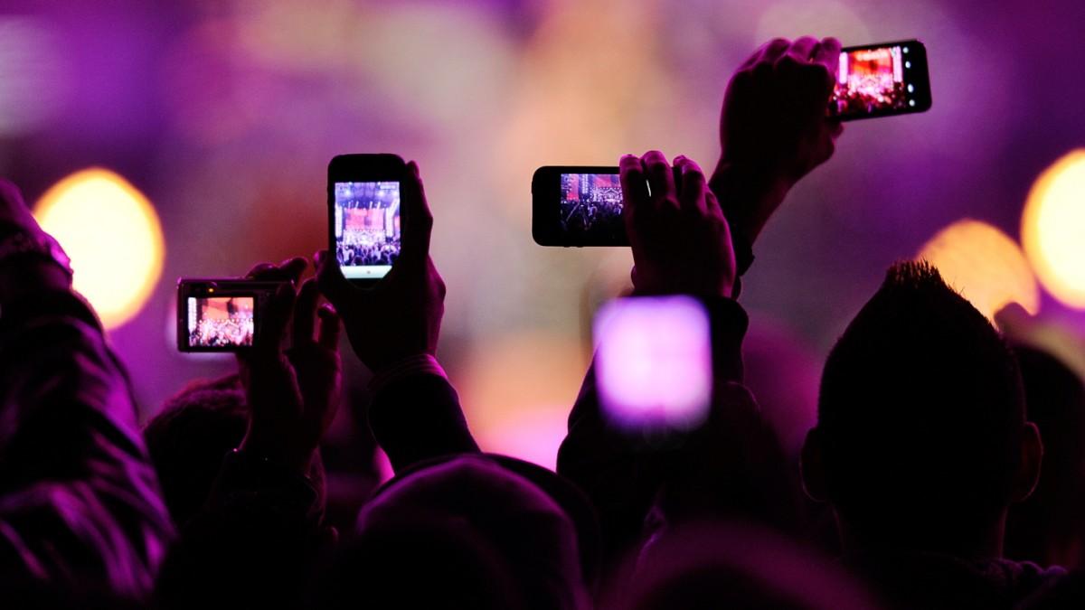 Warum Handys auf Konzerten ein Segen sind