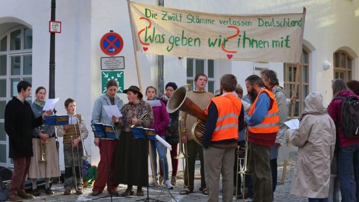 """Unterstützer der """"Zwölf Stämme"""""""