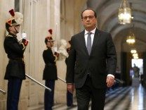 French President Hollande arrives to deliver a speech at a special congress of the joint upper and lower houses of parliament (National Assembly and Senate) at the Palace of Versailles