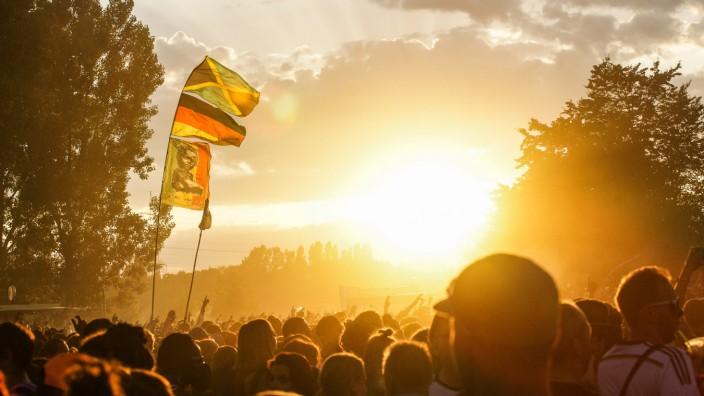 Zuschauer und Atmosphäre am 4 Juli 2014 beim Summerjam Festival am Fühlinger See in Köln Konzert