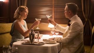 James-Bond-Küsse in Indien kürzer