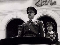 Apr 04 1949 10th Anniversary of the End of The Civil War A bout 15 000 soldiers of General Fra