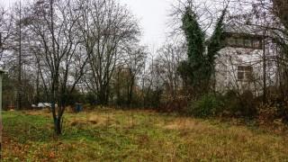 Grundstück an der Gedenkstätte