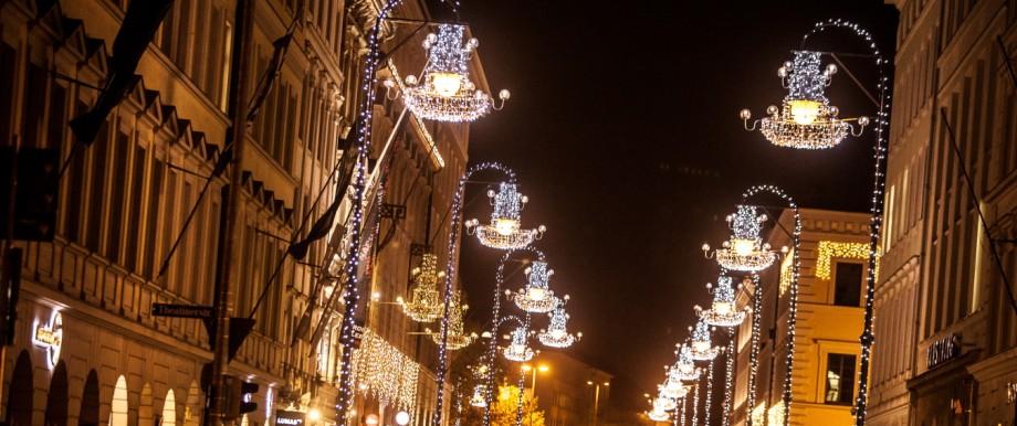 Weihnachtsbeleuchtung München.Gutachten In München Sind Zu Viele Taxis Unterwegs München