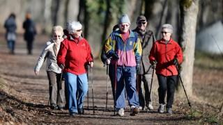 Rentnersport im sonnigen Winter