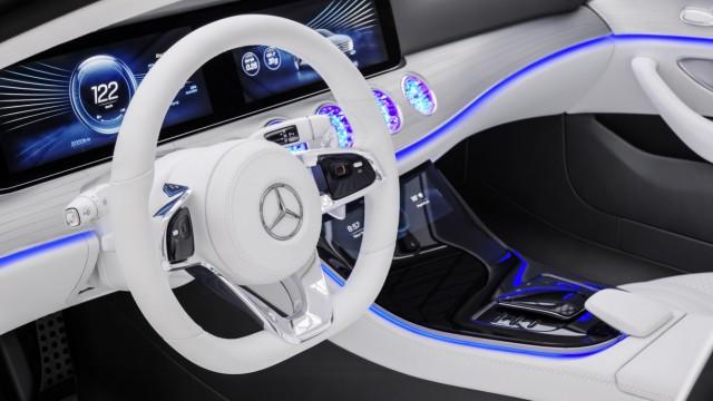Der Innenraum des Mercedes Concept IAA