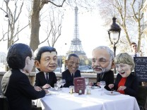 Big Heads - COP21 Climate Change Conference