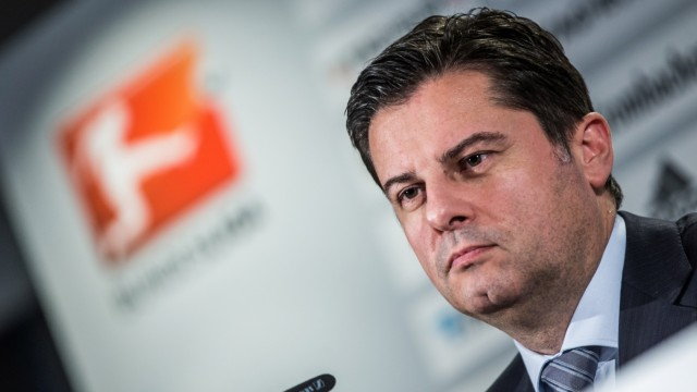 German League Association Extraordinary General Assembly - Press Conference