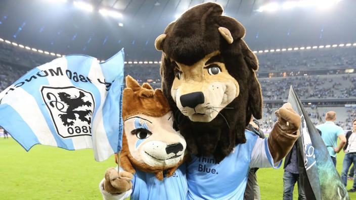 Löwen Maskottchen Sechzger und Sechzgerl TSV 1860 Muenchen TSV 1860 MUENCHEN HOLSTEIN KIEL 2 1 F