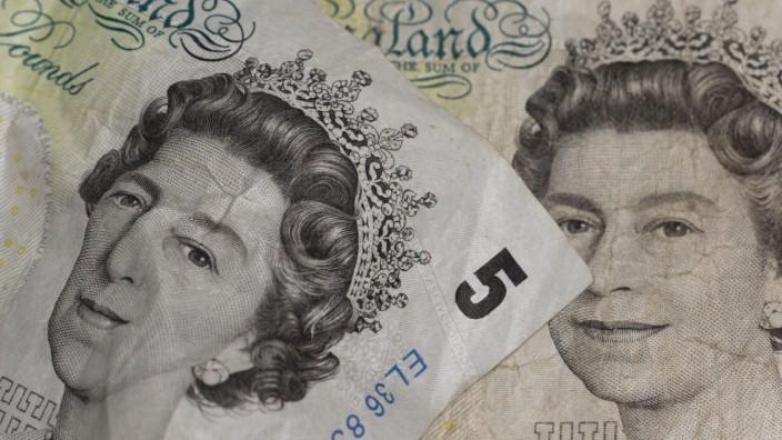 Fuenf-Pfund-Banknoten