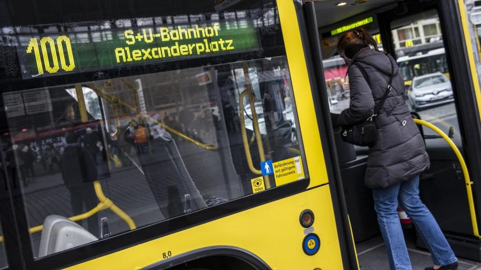 25 Jahre Berliner Buslinie 100