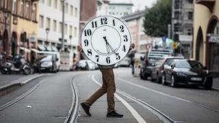 Weniger arbeiten und eine Weile in Teilzeit gehen - noch ist das mit großem Risiko verbunden.
